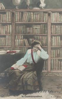 Studentka przy książkach